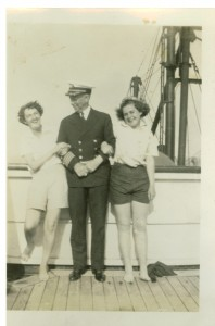 1938-05-25 Captain Pedersen, Teddy Whitehead, Polly